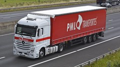 77-PC-86 (panmanstan) Tags: truck wagon mercedes motorway yorkshire transport international lorry commercial vehicle freight sandholme mp4 m62 haulage hgv actros