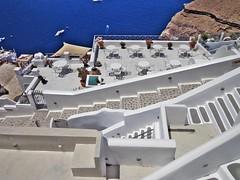 """FIRA - ISOLA DI SANTORINI - GRECIA - """" EXPLORE """" (cannuccia) Tags: paesaggi landscape grecia santorini isole fira bianco scale cortili geometrie virgiliocompany"""
