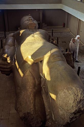 "Ägypten 1999 (591) Kairo: Ramses II.-Kolossalstatue, Memphis • <a style=""font-size:0.8em;"" href=""http://www.flickr.com/photos/69570948@N04/31193126953/"" target=""_blank"">View on Flickr</a>"