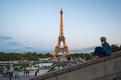 Torre Eiffel desde el Trocadero (Juan Ig. Llana) Tags: paris16earrondissement îledefrance francia torreeiffel trocadero jardines atardecer turistas parís