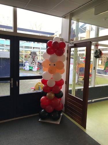 Ballonpilaar Kerstman Mr. van Eijckschool Rotterdam