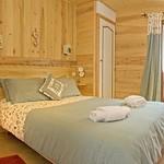 a-bedroom-1a