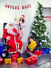 Bad children catch Santa Claus (arnauddrean) Tags: pere noel santa claus christmas bad children funny incompletestrobistinfo removedfromstrobistpool seerule2