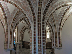 2016-12-29_GaudisDaily363-366 (vickievilla) Tags: astorga caminodesantiago episcopalpalace gaudi spain architecture arches