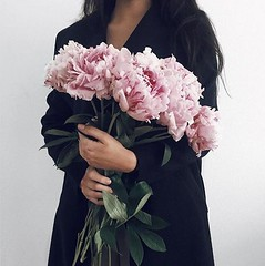 bouquets-peonies-girls (Cool Chic Style Fashion) Tags: happyweekend aesthetic beautiful bouquets camoflauge canalgrande cateye eyeliner fauxfur flowers handbags leopardprint peonies pink quotes rome saintpetersbasilica sequins shoes venice