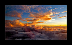 Closer To Eternity (richieb56) Tags: travel sky himmel sonne sonnenaufagang colourful aerial luftaufnahme wolken clouds licht light fantanstic inpiring heaven karma beautiful wow aviation luftfahrt reisen god gott nature natur komposition composition red yellow orange