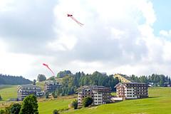 Slovakia-01919 - Donavaly (archer10 (Dennis) 88M Views) Tags: slovakia globus sony a6300 ilce6300 18200mm 1650mm mirrorless free freepicture archer10 dennis jarvis dennisgjarvis dennisjarvis iamcanadian novascotia canada donavaly field kites