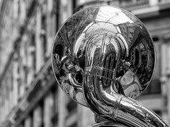 Musica in Galleria (luigi ricchezza) Tags: galleriaumberto centrostorico napoli riflessi trombone