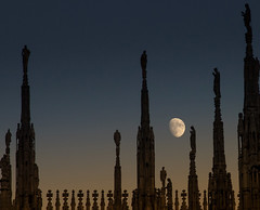Milan and the moon (Fil.ippo) Tags: duomo milano milan moon luna filippo filippobianchi d610 gothic spires pinnacles architecture