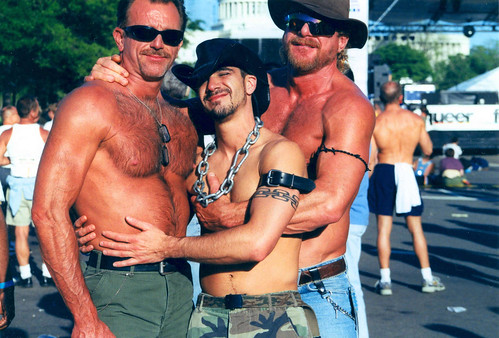 mmow festival wdc glbt gaymen pennsylvaniaavenue arms body washingtondc