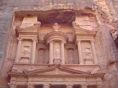 Petra - de Schatkamer 2, bovenste deel (Cal en Dun) Tags: jordanie djoser reis dunja pascal