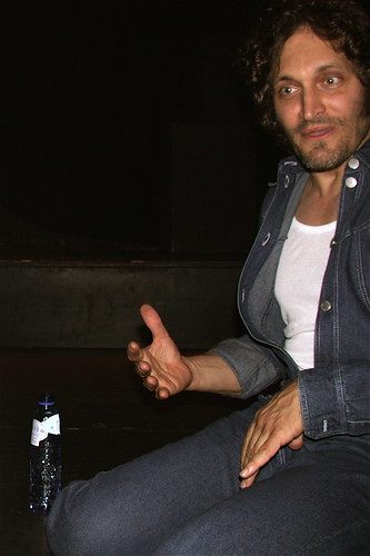 vincentgallo paradiso spa blauw overall jeans gesture hollywood180 amsterdam 2005