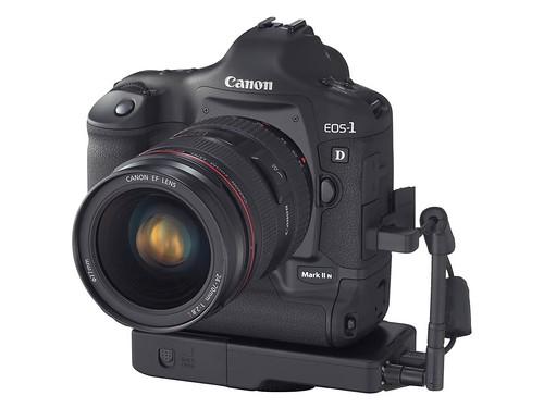 Canon EOS 1D II N (Wireless)