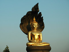 Buddha at Talat Thai market (hkkbs) Tags: statue thailand gold golden market nikond70 bangkok buddha markets thai 100views 400views 300views 200views 500views province 600views 700views guld rangsit staty pathumthani marknad sigma1850mmf3556dc talatthai phahonyothinroad taladthai tambonrangsit amphoethanyaburi