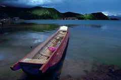 Boat and Lake (Kelly Cheng) Tags: china lake cafe bravo cafegallery velvia getty yunnan luguhu
