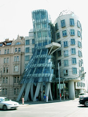 "Prague - ""Ginger and Fred"" or ""Dancing house"" (jaime.silva) Tags: building arquitetura architecture arquitectura prague august2005 praha gehry most architektur czechrepublic frankgehry modernarchitecture architettura achitecture architectuur arkitektur mimari fredandginger arkkitehtuuri architektura contemporaryarchitecture  arhitektura dancinghouse bouwkunde eskrepublika bouwstijl arhitectura arkitektr architektra architektra baustil ptszet konicaminoltaz3 arhitektuur 30faves30comments300views anawesomeshot  arhitektra architektonik"