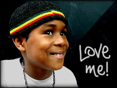 Love me! (carf) Tags: poverty brazil love boys smile brasil kids children happy hope kid community child smiles happiness esperana social underprivileged happyfaces ecbf