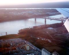 Old Baton Rouge Bridge 2 (tjean314) Tags: 2005 bridge public water mississippi rouge louisiana downtown earth bridges batonrouge mississippiriver baton tjean314 johnhanley allphotoscopy20052015johnhanleyallrightsreservedcontactforpermissiontouse allphotoscopy20052016johnhanleyallrightsreservedcontactforpermissiontouse