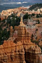 Last sight of a magical place (JoLoLog) Tags: usa utah nationalpark rocks canyon redrocks bryce brycecanyon moshe