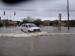 Bridge Street (US 17) (General Wesc) Tags: flood van uploadedbyluca washingtonnc