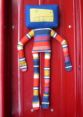 Stripy (Lizette Greco) Tags: blue red yellow robot doll critter softie enzo stripy greco verdi lizette lizettegreco sweedy3 grecolaborativo