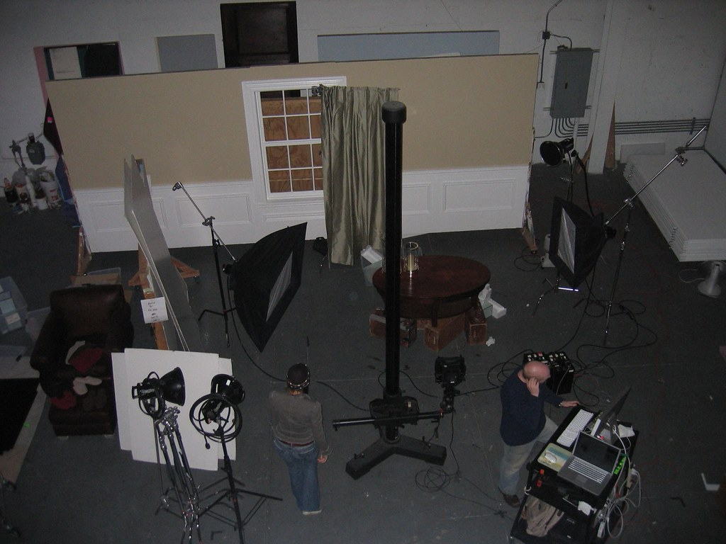 Bedroom furniture style for Who manufactures restoration hardware furniture