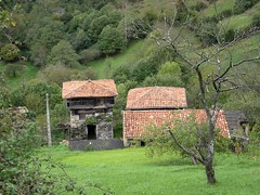 El rinconin (jlmaral) Tags: elrinconin pueblo asturias