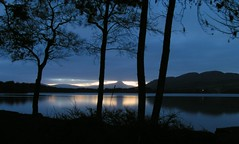 Ben Lomond (Stueyman) Tags: uk blue sunset lake tag3 taggedout night landscape scotland europe tag2 tag1 minolta ben lomond benlomond dimage z1 menteith trossachs 1on1 thecontinuum