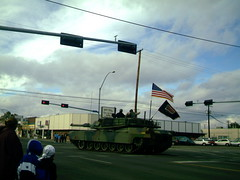 Tank turning corner (Yakima_gulag) Tags: tank patriotic images