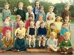 Fairwater Infants School, Cwmbran (World of Oddy) Tags: fairwater infants school cwmbran schoolphoto classphoto 1970s 70s