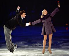 Stars on Ice '05 (Ryan Brenizer) Tags: finepixs2pro fuji 70200mmf28gvr figureskating iceskating starsonice elenaberezhnaya antonsikharulidze action performance adirondacks lakeplacid newyork upstateny 2005 november