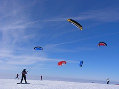 (_Carmen_) Tags: schnee winter snow kite mountains color colorful heaven top himmel berge bunt reiseblog semnoz3
