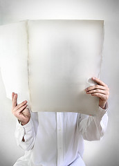 blank (-Antoine-) Tags: white canada topf25 campus reading newspaper hands media hand montral reader quebec felix montreal main journal read qubec blank info lecture felx information mains blanc une medias lire lecteur chemise montrealcampus montralcampus mdia mdias