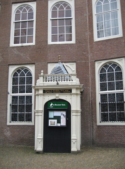 "Begijnhof, R for ""Roman-Catholic Chapel"""