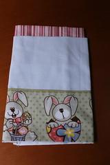 Pano coelhinho (ceciliamezzomo) Tags: bunny kitchen easter de dish handmade pano egg towel pscoa eggs patchwork coelho prato cozinha ovo ovos coelhinho