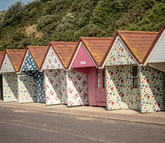 Wallpaper Beach Huts (SKAC32) Tags: wallpaper cliff beach dorset seafront bournemouth beachhuts cathkidston swengland