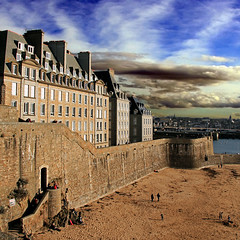 Saint-Malo, Bretagne,  France (pom.angers) Tags: canoneos400ddigital february 2011 saintmalo illeetvilaine 35 bretagne france europeanunion 100