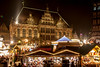 Christmas Market with Town Hall - Bremen, Germany (ME Photography (Moritz Escher)) Tags: christmasmarket longexposure weihnachtsmarkt bremen germany marktplatz canoneos50d canon nacht night lights light beautiful merrychristmas happyxmas froheweihnachten townhall bremerrathaus rathaus