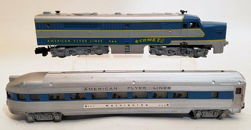 AMERICAN FLYER #466 COMET train engine and Vista dome car ($190.40)