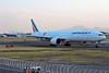 Boeing 777-328(ER) Air France F-GSQI JonOne Livery (tonypatriot2901) Tags: boeing 777328er air france fgsqi jonone livery mex mmmx aicm cdmx ciudad de méxico arrival mexico city
