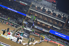 "San Diego SX 2017 • <a style=""font-size:0.8em;"" href=""http://www.flickr.com/photos/89136799@N03/32229247741/"" target=""_blank"">View on Flickr</a>"