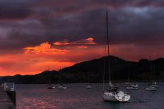 El velero (Carpetovetón) Tags: amanecer puerto castrourdiales mar marcantábrico agua barcos cantábrico sunrise velero nikond610 tamron2875 cantabria españa