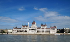 Democracy (Hindrik S) Tags: hungary budapest parliament donau danube duna water boedapest magyar sonyphotographing sony sonyalpha α57 a57 slta57 tamron tamronspaf1750mmf28xrdiiildasphericalif tamron1750 building gebouw blue sky clouds 2015 amount
