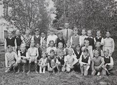 Norra ngby Folkskola, klass 4, vrterminen 1941 (Olle Sundh) Tags: stockholm norra skola klass bromma svv skolfoto ngby folkskola skolbarn vultejusvgen