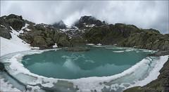 Panoràmica Lac Blanc (Mercè Royo (NERET)) Tags: france frança muntanya excursió llac lacblanc boira panoràmica reflectsobsessions mercèroyo alps2015