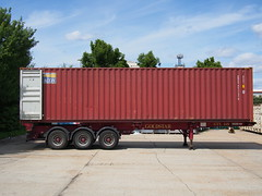 Yet another empty box (roadscum) Tags: england london box container trailer shipping goldstar skel triaxle