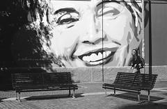 Milano (Valt3r Rav3ra - DEVOted!) Tags: nikonf90x nikon analogico film 35mm ilfordhp5 bw biancoenero blackandwhite valt3r valterravera visioniurbane urbanvisions streetphotography street milano streetart bench persone people