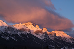 Canmore (MetallYZA) Tags: 2016 canada alberta canmore mountains montagnes rockies rocheuses leverdesoleil bowvalley rundle sunrise