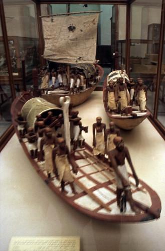 "Ägypten 1999 (613) Kairo: Schiffsmodelle, Ägyptisches Museum • <a style=""font-size:0.8em;"" href=""http://www.flickr.com/photos/69570948@N04/31995259972/"" target=""_blank"">View on Flickr</a>"