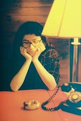 (merra marie) Tags: girl yellow light dona amarilla luz telefono vintage retro twin peaks rojo red amarillo